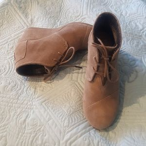 Toms tan booties women's 7.5